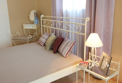 classic wrought iron king size bed Romantic without footboard