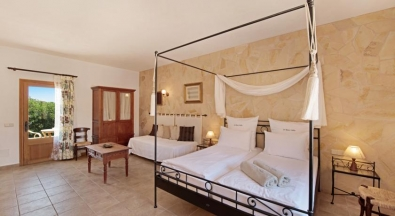 4 poster bed, canopy bed Romantic