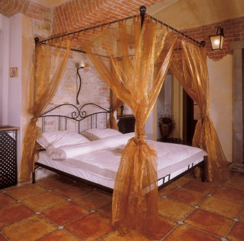 4 poster bed, canopy bed Sardegna