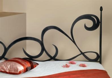 playful and imaginative design Cartagena iron bed
