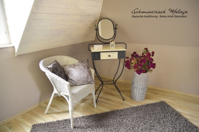 Dressing table wrought iron with swivel mirror