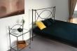 simpe forged bed Tholen